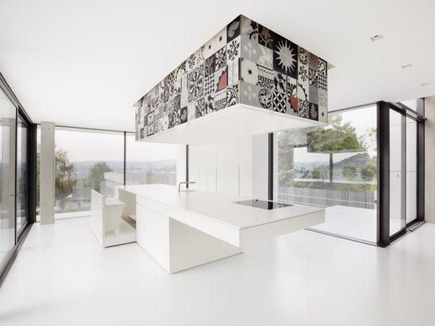 Modern Küche by studio holzinger