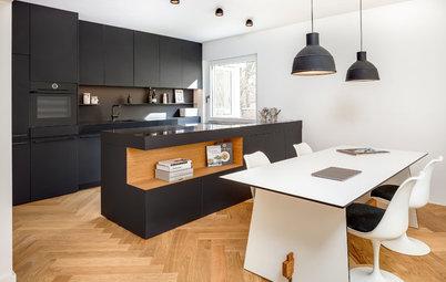 Schwarz-Weiß-Denken: Eine kontrastreiche Wohnküche in München