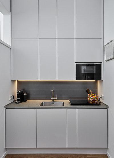 Modern Küche by rooom.biz  Ihre Agentin für Schönheit