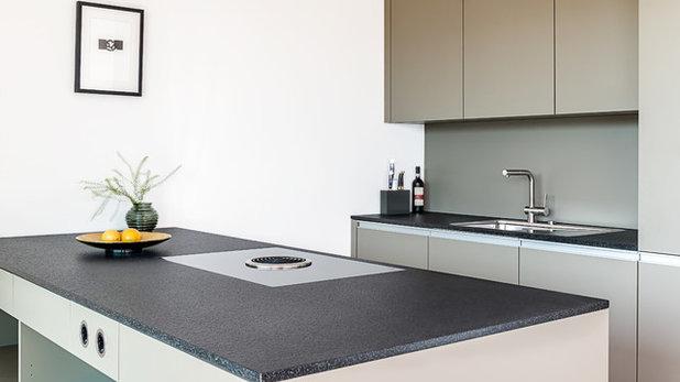 auf ma die perfekte h he f r arbeitsplatte und k chentresen. Black Bedroom Furniture Sets. Home Design Ideas