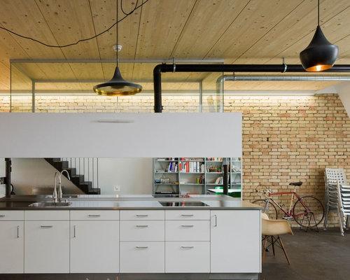 Küche mit Rückwand aus Spiegelfliesen - Ideen & Bilder