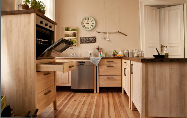 Country Cucina by Kitchen Impossible - Küchenmöbel aus Holz