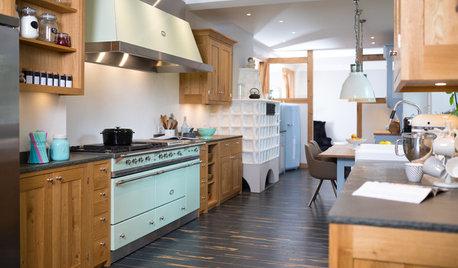 Gut aufgeteilt: eine Landhausküche für einen langen schmalen Raum
