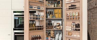 Offene Küche abtrennen: Mehr Struktur durch Lamellen ...