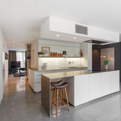 Modern Küche by EMMA B. HOME