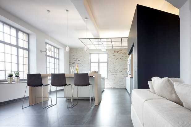 Modern Küche by Eilmann Architekt