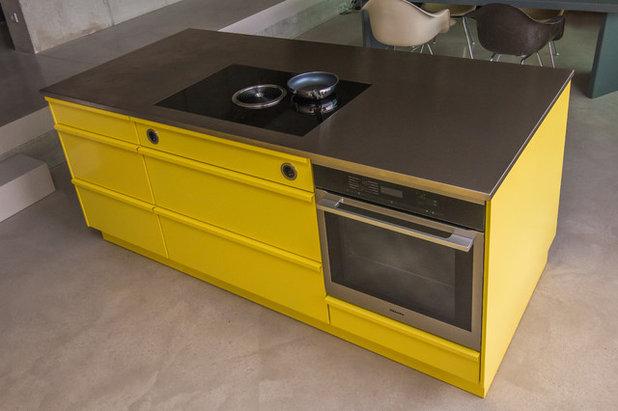 Modern Küche by popstahl GbR