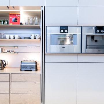 Luxusküche, Kücheninsel nahtlos aus Mineralwerkstoff