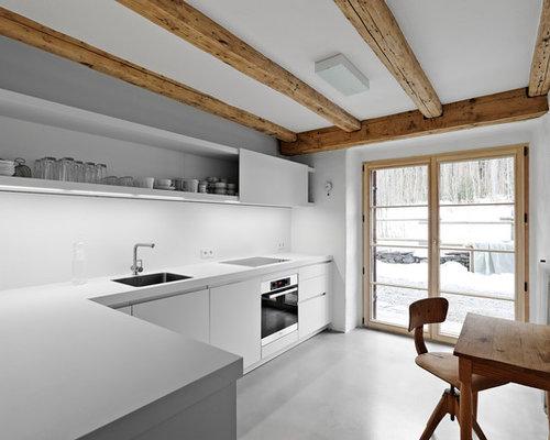 Rustikale Küchen mit Küchenrückwand in Weiß Ideen, Design & Bilder ...