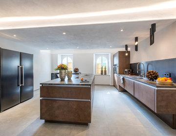 moderne Küche in denkmalgeschützter Immobilie