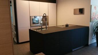 moderne schwarze Küche - Nürnberg