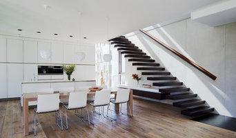 Moderne Wohnküche mit Essbereich
