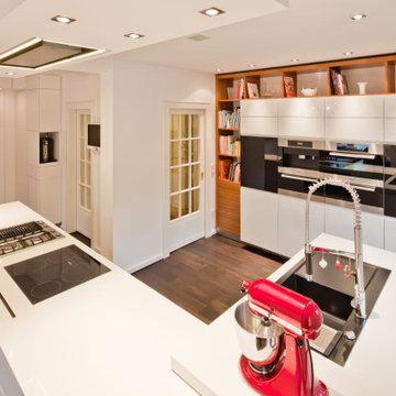 Moderne Wohnküche mit Raffinesse
