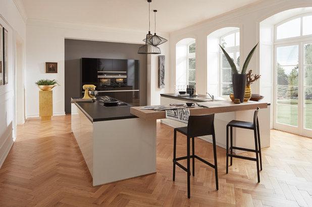 Современный Кухня by Küchen Aktuell Düsseldorf