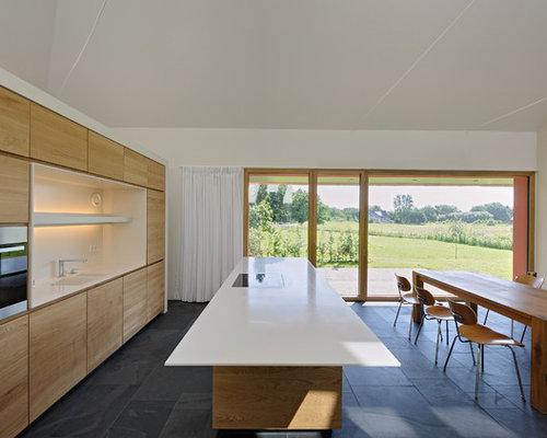 moderne wohnk chen mit hellbraunen holzschr nken ideen bilder houzz. Black Bedroom Furniture Sets. Home Design Ideas