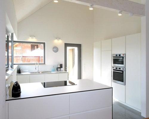 kuche und wohnzimmer in einem raum modern raum und m beldesign inspiration. Black Bedroom Furniture Sets. Home Design Ideas