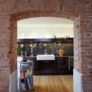 Inspiration For A Large Traditional Single Wall Enclosed Kitchen In Bremen  With A Belfast Sink