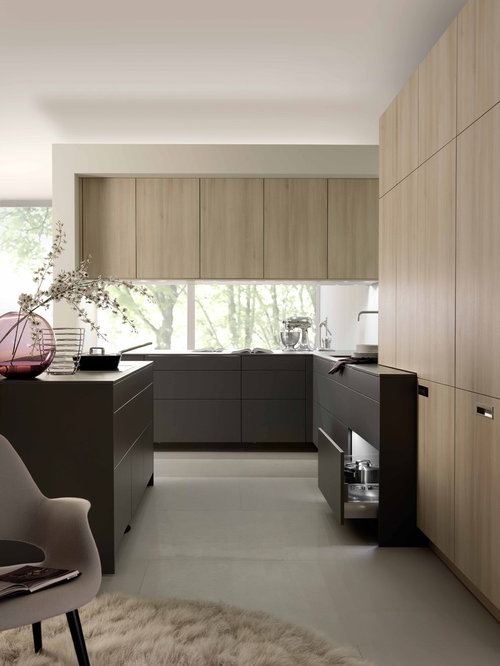 Mid Sized Modern Open Concept Kitchen Designs   Example Of A Mid Sized  Minimalist