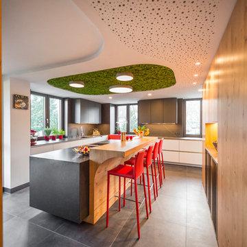 Projekt C1 | moderne Küche mit schwebender Kochinsel