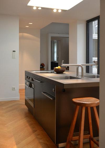 raffiniert eine bulthaup k che in d sseldorf wird angepasst. Black Bedroom Furniture Sets. Home Design Ideas