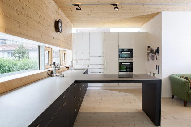 Modern Küche by Echt Zwinz Raum und Möbel