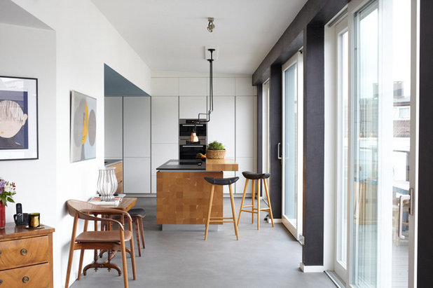 Contemporary Kitchen by Nassim Ohadi Photography