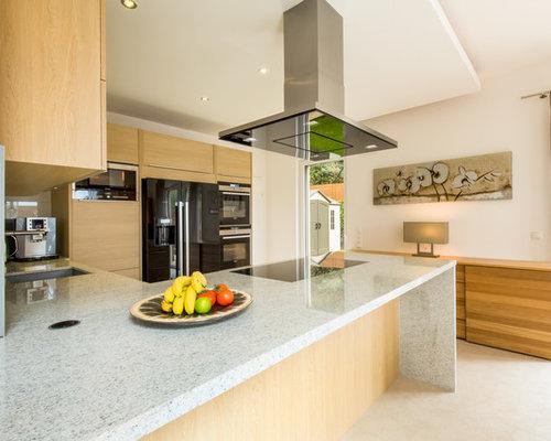 Schon Mittelgroße Moderne Wohnküche In L Form Mit Flächenbündigen Schrankfronten,  Granit Arbeitsplatte, Schwarzen