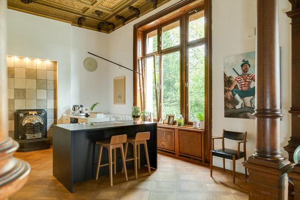 Modern Küche by REFUGIUM - Interior Design