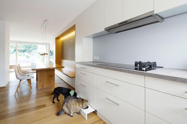 Modern Kitchen by Schlicht Lamprecht Architekten