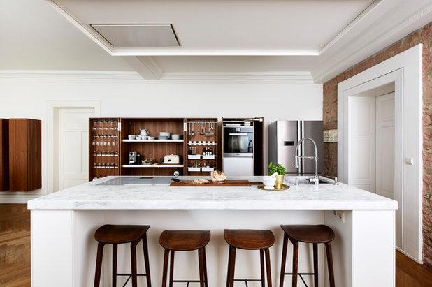 Modern Küche by von Savigny Interior