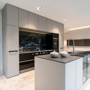 Offene Küchen mit Küchenrückwand in Grau Ideen, Design & Bilder   Houzz
