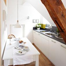 Contemporary Kitchen by Ute Günther INNENARCHITEKTUR & DESIGN