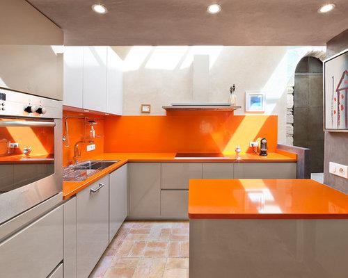 groe moderne wohnkche in l form mit einbauwaschbecken flchenbndigen schrankfronten grauen schrnken - Kchen Mit Weien Schrnken Und Dunklen Theken