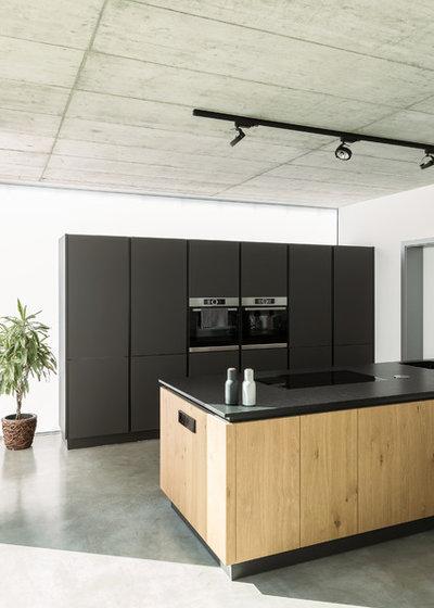 Minimalistisch Küche by büro für bauform