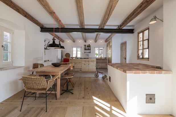 urig und modern neue wohnk che aus alten dielen in oberbayern. Black Bedroom Furniture Sets. Home Design Ideas