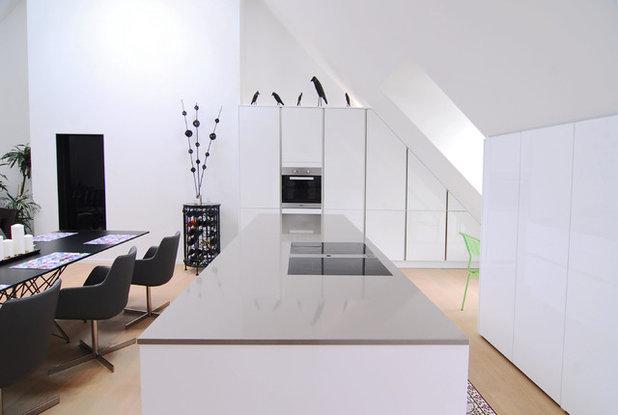 passgenau unterm dach eine moderne k che in m nchen. Black Bedroom Furniture Sets. Home Design Ideas