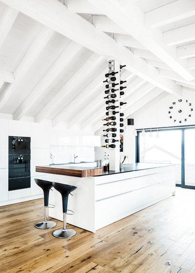 Modern Küche by anna cucina