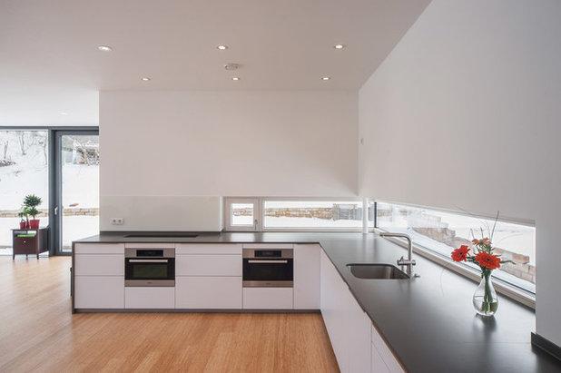 Moderno Cocina by Architekturfotografie Steffen Spitzner