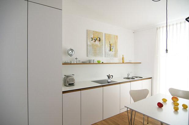 Contemporary Kitchen by mrb architekten gmbh
