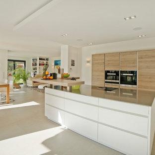 Moderne Küchen mit Küchenrückwand in Beige Ideen, Design & Bilder ...