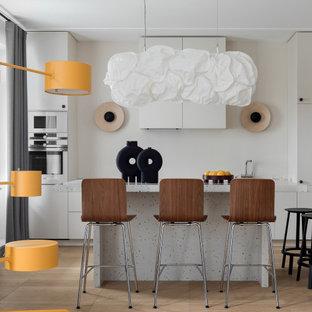 На фото: кухня в современном стиле с