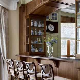 Источник вдохновения для домашнего уюта: кухня в классическом стиле