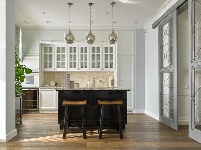 Современная классика Кухня by Студия Enjoy Home