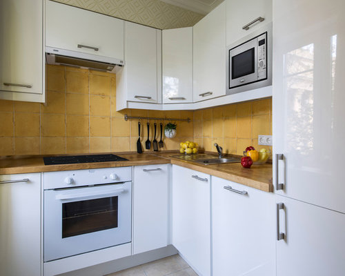 Scandinavian kitchen with yellow backsplash design ideas for Scandinavian kitchen backsplash