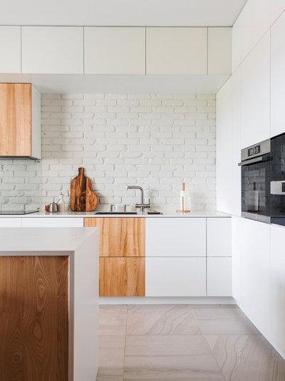 Современный Кухня by Line Design Studio