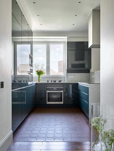 Современная классика Кухня by Room Service Interior