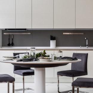 Пример оригинального дизайна: большая кухня в современном стиле
