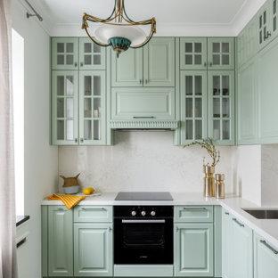 Свежая идея для дизайна: кухня в классическом стиле - отличное фото интерьера