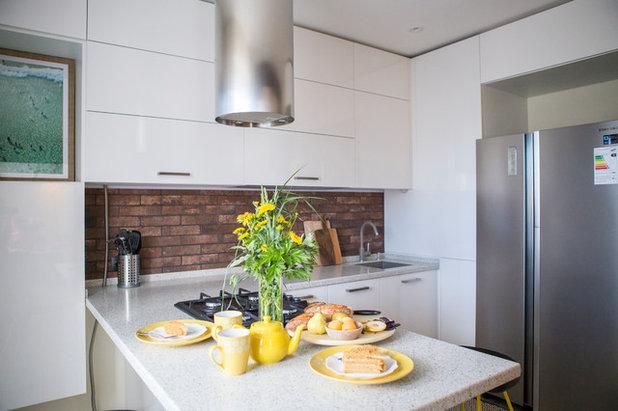 Современный Кухня by Sweet Home