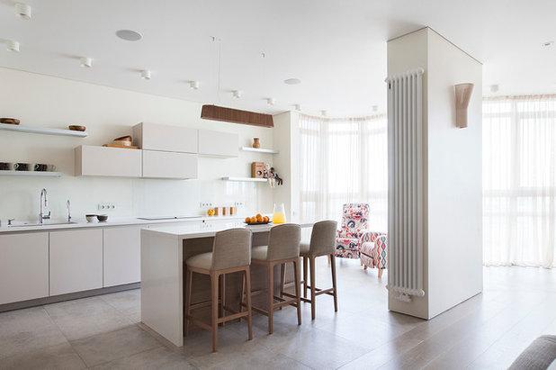 Современный Кухня by Ariana Ahmad Interior Design